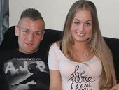 knappe blonde shirley en haar vriendje